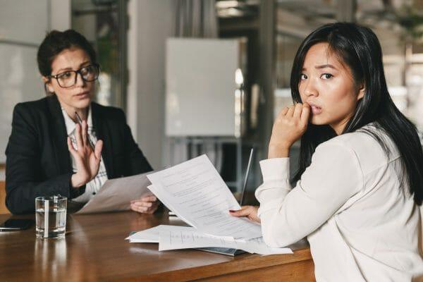 Angst vor Bewerbungsgespräch: 10 Tipps für Mut vor dem Termin