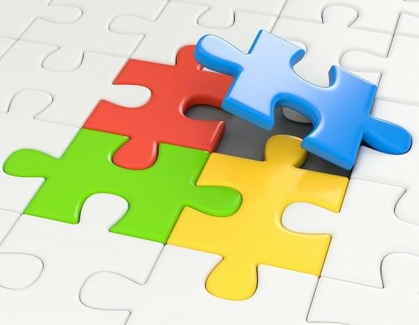 Vollständige Bewerbungsunterlagen. Diese drei TOP-Bestandteile gehören dazu.